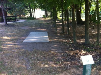 Burchfield Park, River's Edge, Hole 1 Tee pad