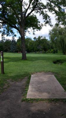 Katherine Legge Memorial Park, Main course, Hole 4 Tee pad