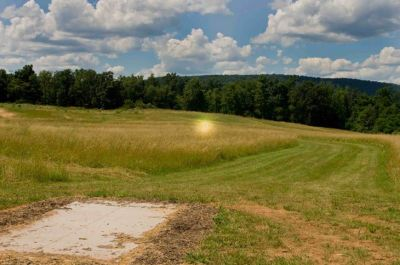 Bernel Road Park, Main course, Hole 2 Tee pad