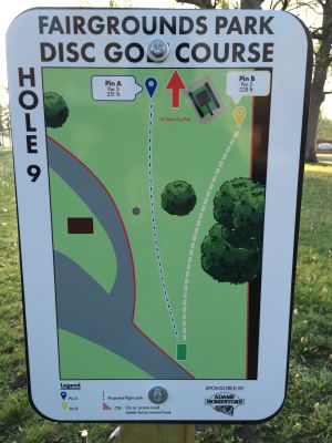 Fairgrounds Park, Main course, Hole 9 Hole sign
