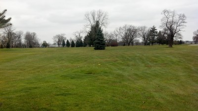 Sunnybrook, Main course, Hole 2 Short tee pad