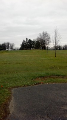 Sunnybrook, Main course, Hole 1 Long tee pad