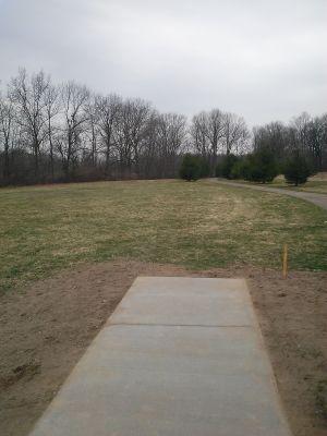 Vicksburg Recreation Area, Main course, Hole 1 Short tee pad