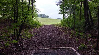 Blatnick Park, Main course, Hole 5 Long tee pad