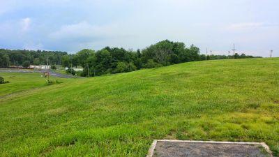 Blatnick Park, Main course, Hole 7 Long tee pad