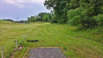 Blatnick Park, Main course, Hole 9 Short tee pad