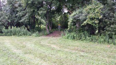 Blatnick Park, Main course, Hole 9 Short approach