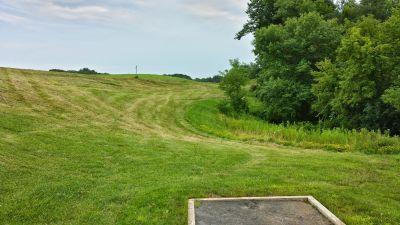 Blatnick Park, Main course, Hole 9 Long tee pad