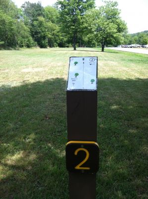 Tomlinson Run State Park, Main course, Hole 2 Hole sign