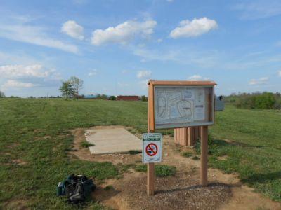 Herb Botts Memorial Park, Indian Mound DGC, Hole 1 Tee pad