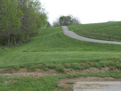 Herb Botts Memorial Park, Indian Mound DGC, Hole 8 Tee pad