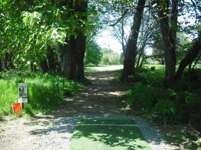 Alton Baker Park, Main course, Hole 16 Tee pad