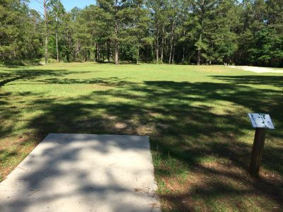 Fort Rucker DGC, Main course, Hole 9 Tee pad