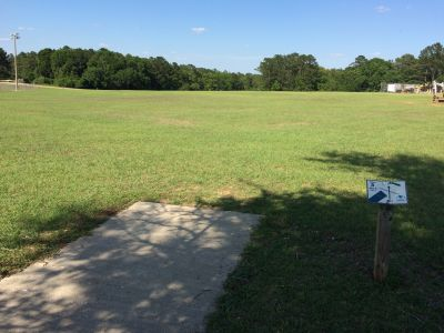 Fort Rucker DGC, Main course, Hole 3 Tee pad