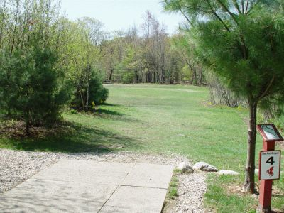 Dragan Field, Main course, Hole 4 Tee pad