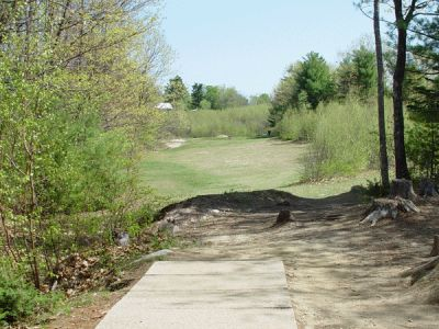 Dragan Field, Main course, Hole 13 Tee pad
