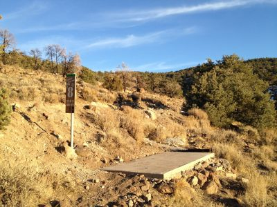 Reno Adventure Park, Tom's Cliff Top Course - Green, Hole 8 Tee pad