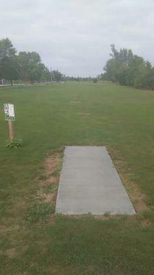 Ludington Park, Main course, Hole 1 Tee pad