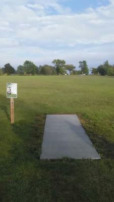 Ludington Park, Main course, Hole 4 Tee pad