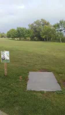 Ludington Park, Main course, Hole 3 Tee pad