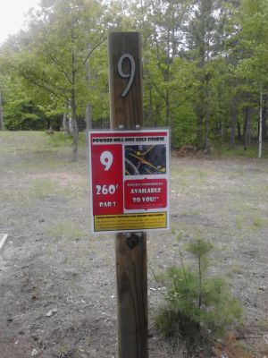 Powder Mill DGC, Main course, Hole 9 Short tee pad