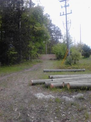 Powder Mill DGC, Main course, Hole 2 Long tee pad