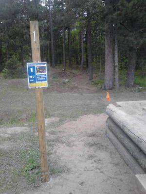 Powder Mill DGC, Main course, Hole 1 Long tee pad
