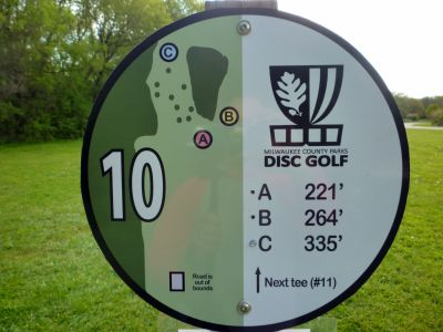 Root River Parkway, Main course, Hole 10 Hole sign