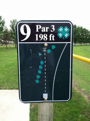 Slayton DGC, Main course, Hole 9 Hole sign