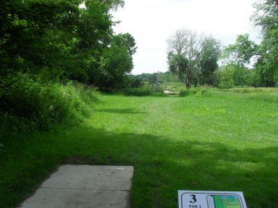 Paw Paw Park, Main course, Hole 3 Tee pad