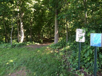 Washington County Regional Park, Ditto Farms DGC, Hole 3 Tee pad