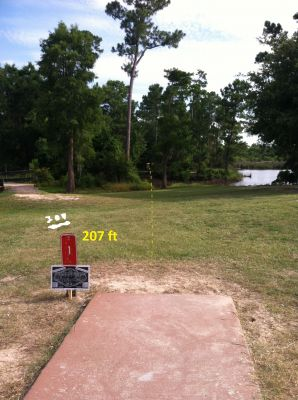 Hiller Park, Main course, Hole 1 Middle tee pad