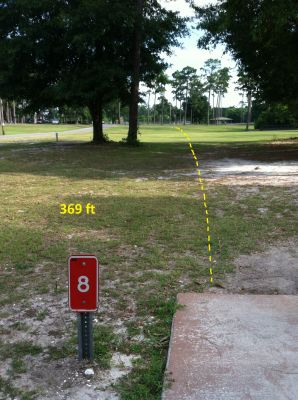 Hiller Park, Main course, Hole 8 Middle tee pad