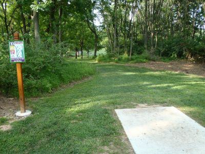 South Hills Park, Main course, Hole 10 Tee pad