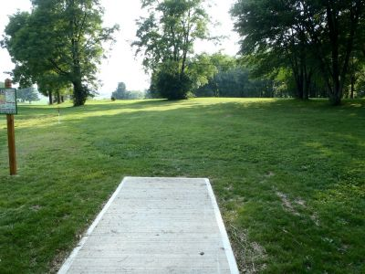 South Hills Park, Main course, Hole 13 Tee pad