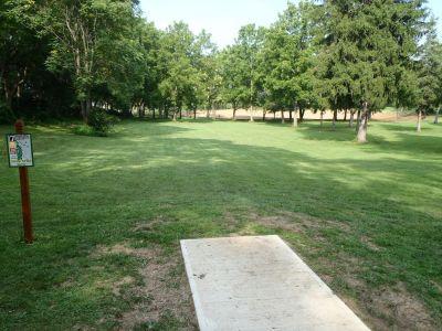 South Hills Park, Main course, Hole 7 Tee pad