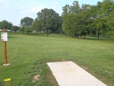South Hills Park, Main course, Hole 17 Tee pad
