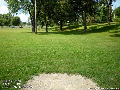 Lake Ripley Park, Main course, Hole 1 Tee pad