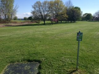 Lakefront Park, Main course, Hole 7 Middle tee pad