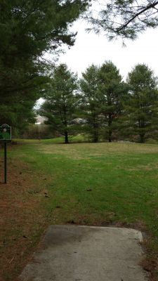 Virginia Highlands Community College, Main course, Hole 4 Tee pad
