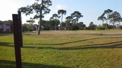 Bird Bay Executive Golf Club, Main course, Hole 4 Tee pad