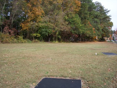 Schumaker Pond, Main course, Hole 13 Long tee pad