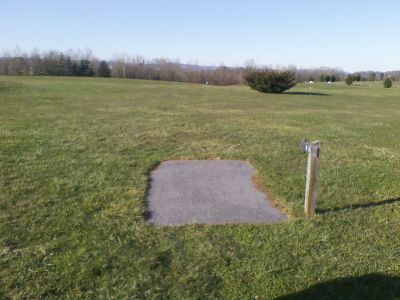 Heritage Farm Park, Main course, Hole 16 Tee pad