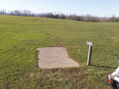 Heritage Farm Park, Main course, Hole 12 Tee pad
