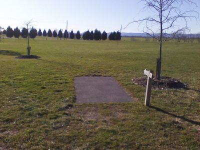 Heritage Farm Park, Main course, Hole 14 Tee pad