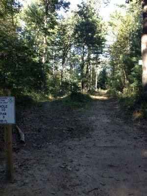 Muldoon Park, Main course, Hole 10 Tee pad