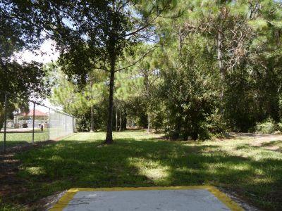 Estero DGC, Main course, Hole 8 Middle tee pad