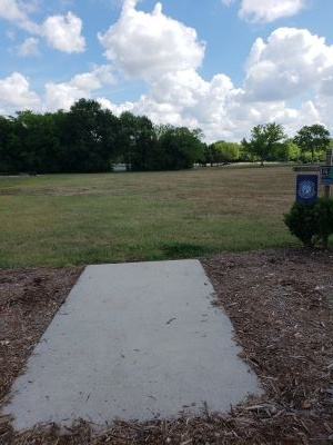 Frank Liske Park, Main course, Hole 15 Tee pad