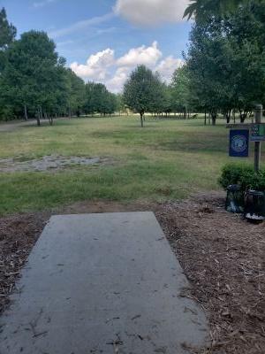 Frank Liske Park, Main course, Hole 10 Tee pad
