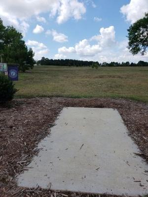 Frank Liske Park, Main course, Hole 16 Tee pad
